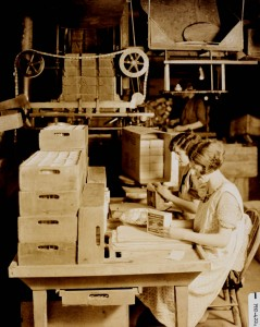 CSTM DEB Pho-422 Packing Matches, circa 1925